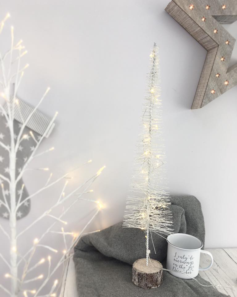 wire sparkle tree - White Wire Christmas Tree